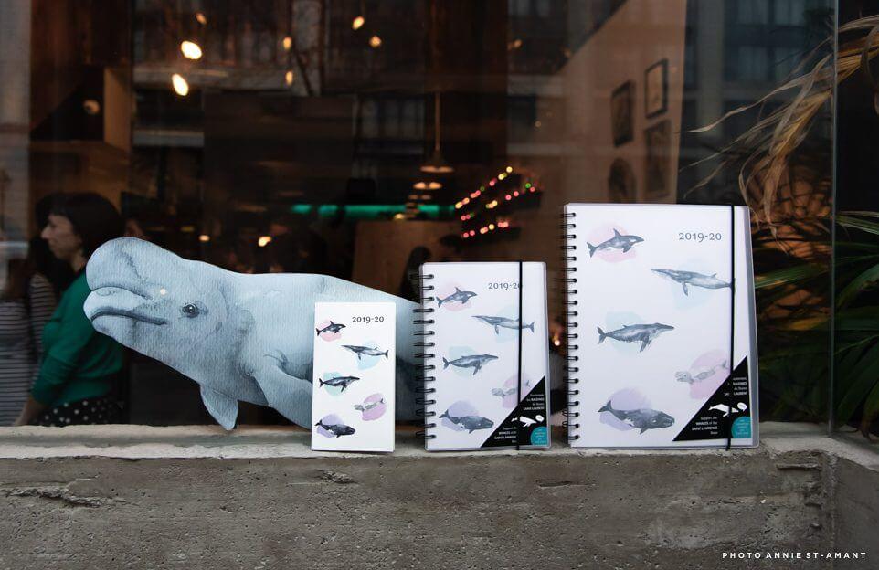 trois modèles d'agenda W. Maxwell avec des baleines dessus