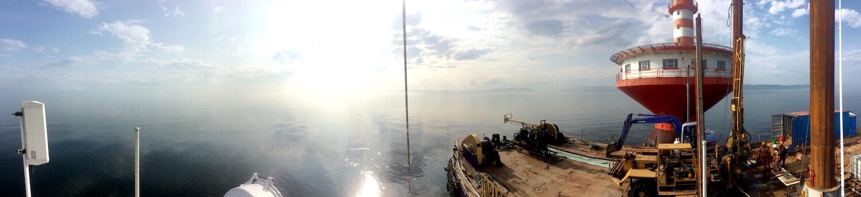 Surveillance des activités de forage au phare du Haut-Fond-Prince.