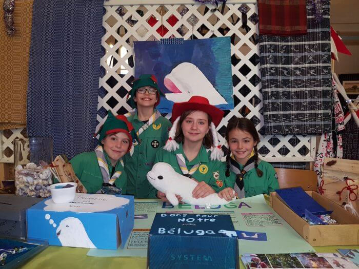 Les scouts, avec des créations bélugas de leur cru
